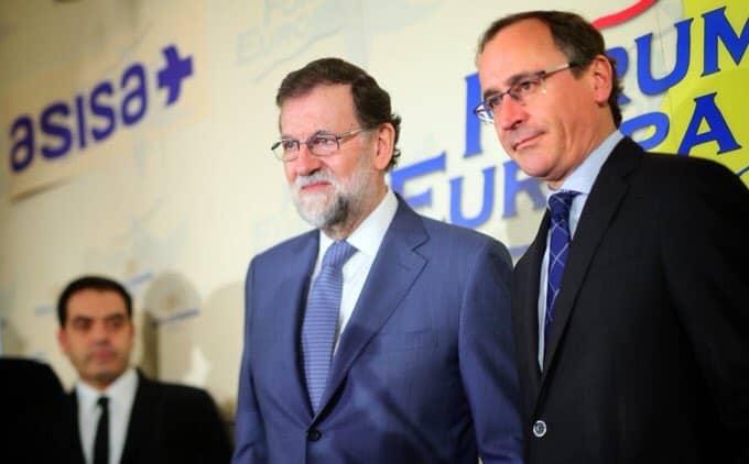 Mariano Rajoy, junto a Alfonso Alonso.