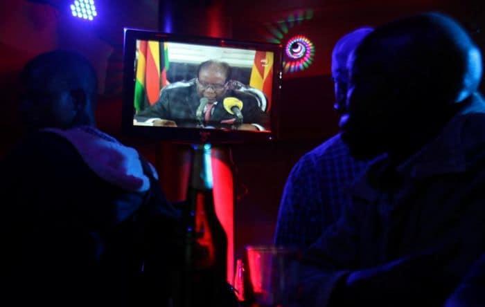 """Mugabe pidió a Zimbabue """"que no se deje llevar por la amargura"""""""