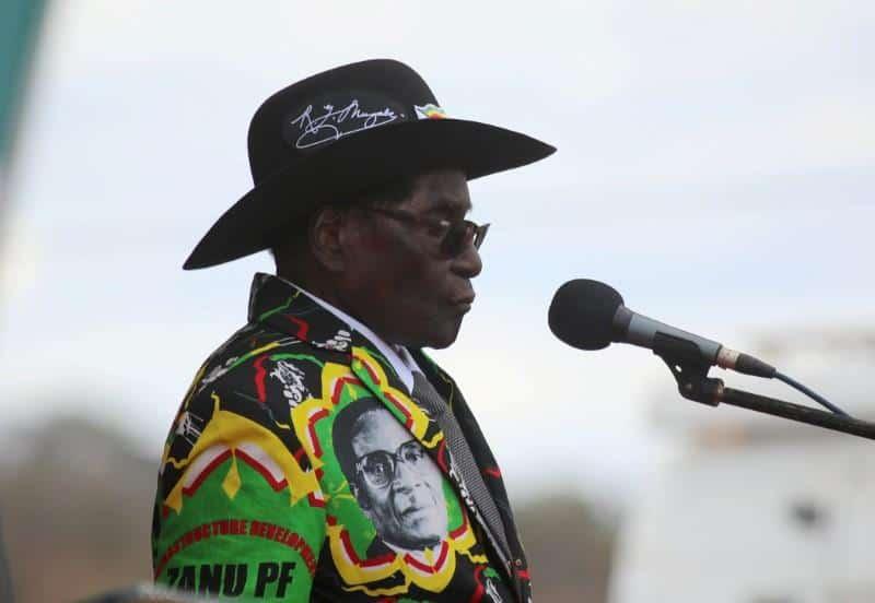 """Robert Mugabe es la última """"víctima"""" de un golpe militar en su país, Zimbabue"""