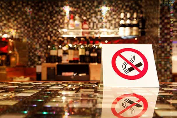 Impacto del tabaco y los accidentes de tráfico en la salud.