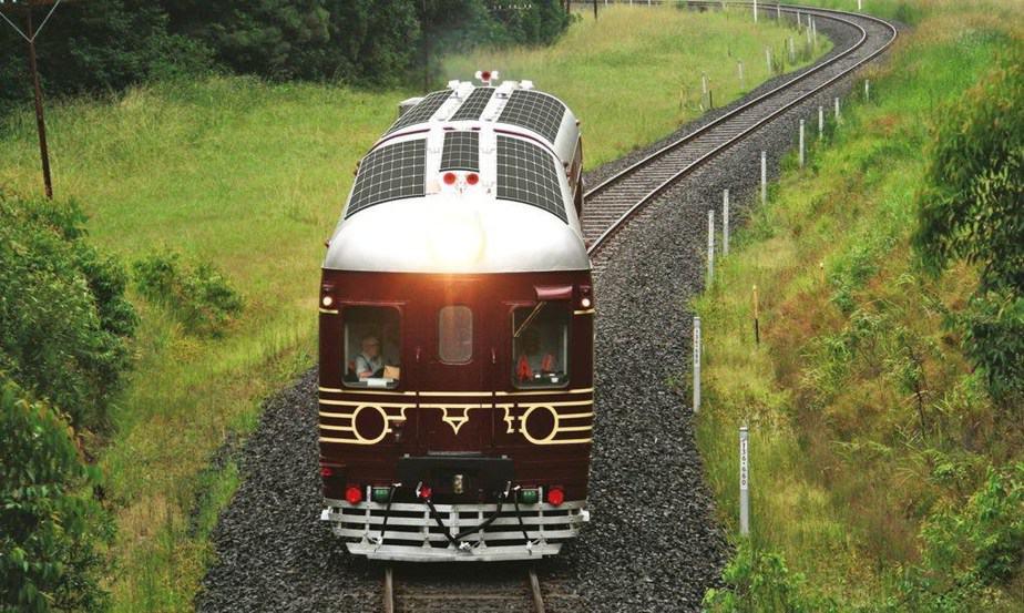 Tren con paneles solares hará hasta 15 viajes