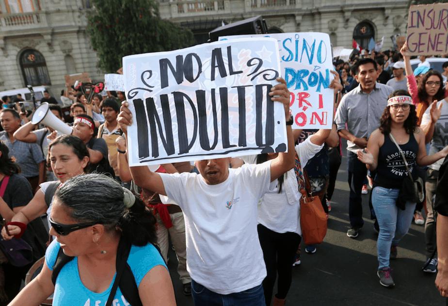 Alberto Fujimori. El indulto a Alberto Fujimori pone al presidente de Perú contra las cuerdas
