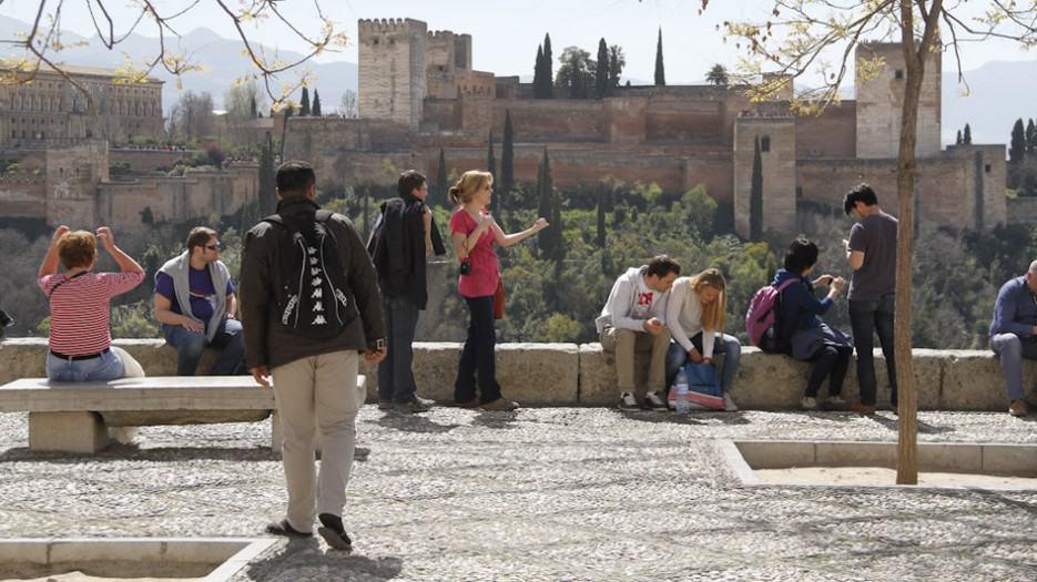 Turistas hasta noviembre. España recibe hasta noviembre 77,8 millones de turistas, un 9,1% más que todo el 2016