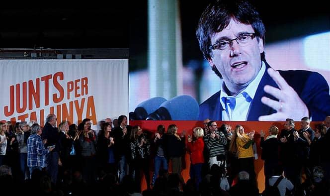 El Tribunal Constitucional ha decidido por unanimidad suspender una investidura no presencial de Puigdemont.