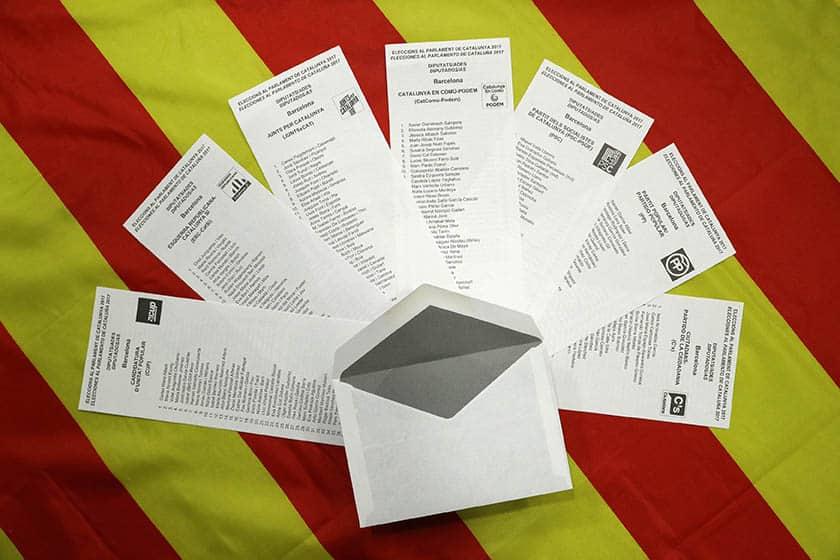 Papeletas con las candidaturas del 21-D. Videoblog de Gorka Landaburu.