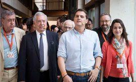 Mario Vargas Llosa tiene una estrecha relación de simpatía con Ciudadanos