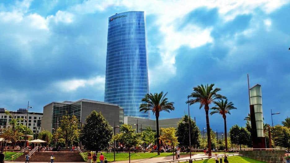 Empresas de energía españolas analizan sus inversiones