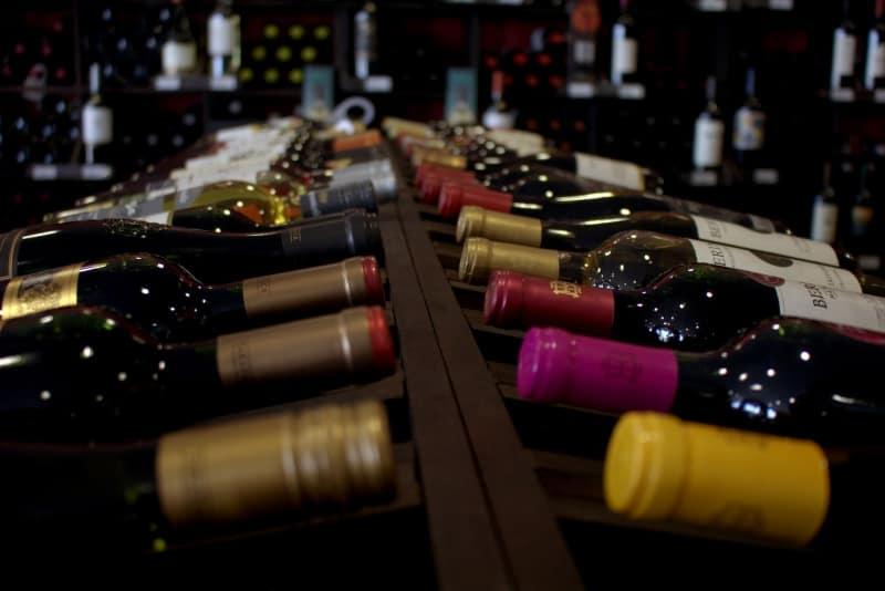 Producción mundial de vino cayó a su nivel más bajo en 60 años