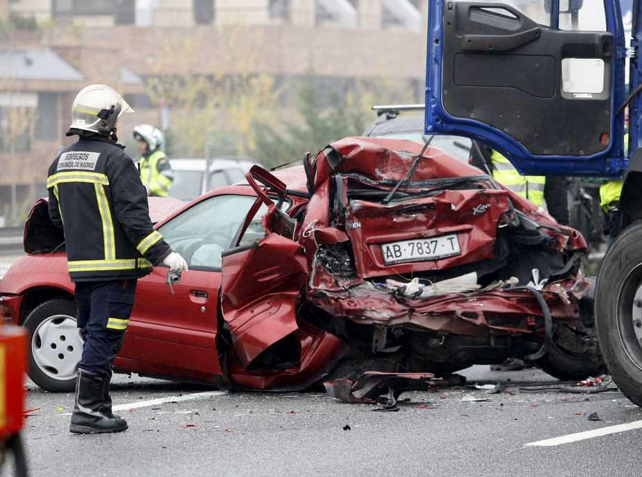 Víctimas mortales en carretera. 2017 cierra con 1.200 fallecidos en las carreteras, 39 más que 2016