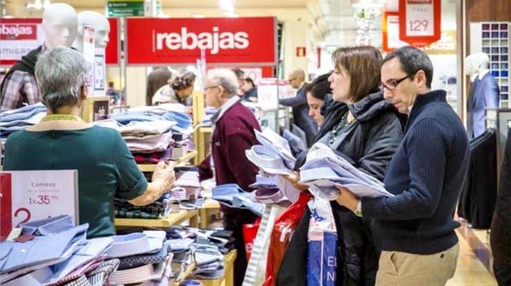 Campaña de rebajas en Cataluña. Cataluña es la comunidad que más empleo creará durante las rebajas