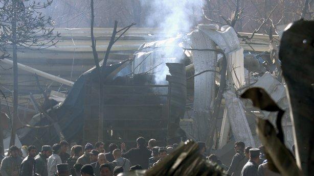 Un ataque bomba en Kabul ha convertido a la capital afgana en un cementerio otra vez