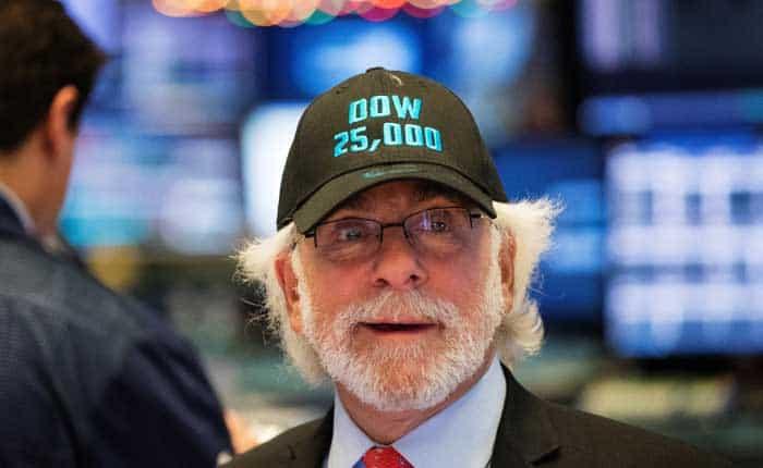 El Dow Jones alcanzó los 25 mil puntos