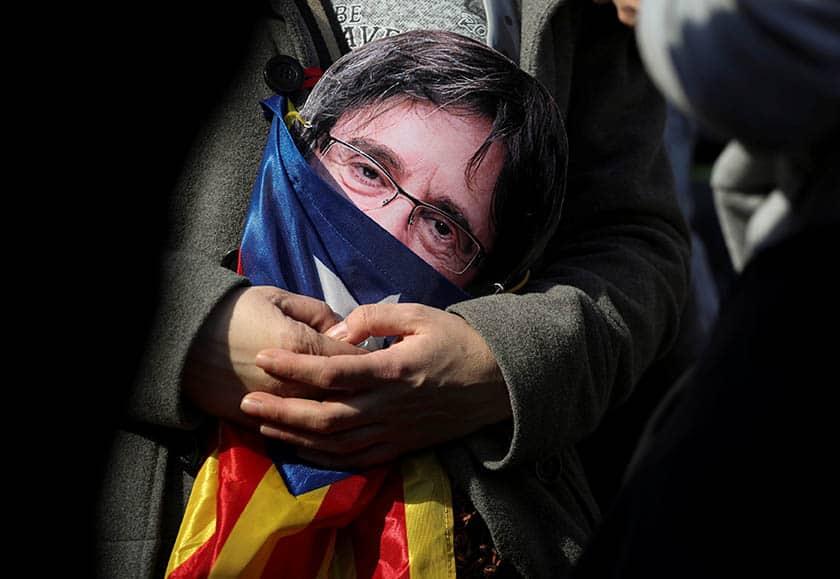 Puigdemont renuncia: que nadie se confíe