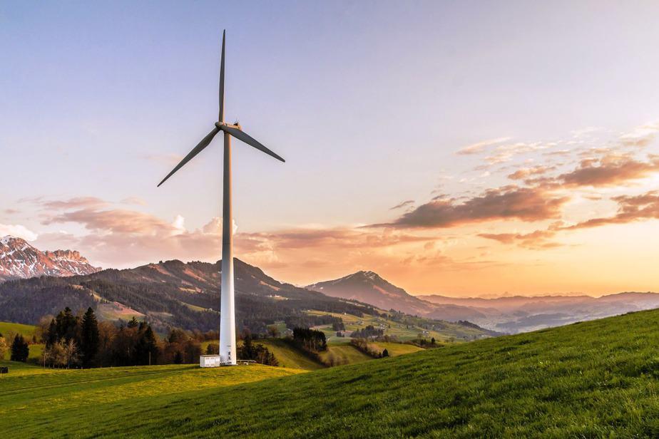 Equilibrar la energía industrial es la meta de la CEOE