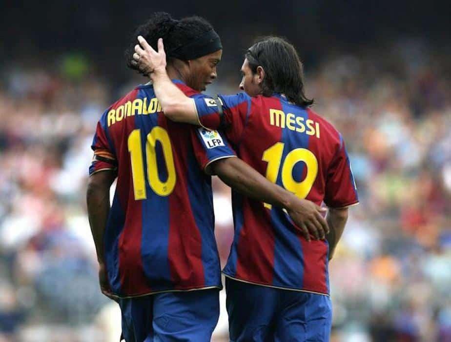 El mensaje de Messi a Ronaldinho que conmovió al mundo del fútbol