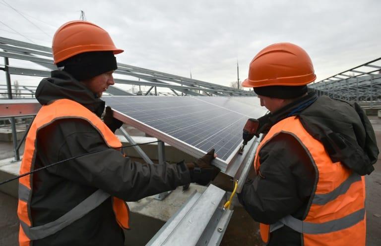 la planta solar en Chernobyl planta una vuelta a la producción en una zona que estaba muerta.
