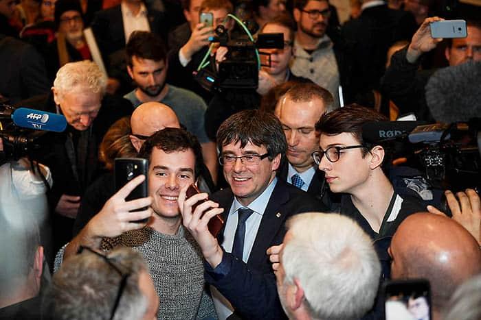 Carles Puigdemont pedirá una autorización judicial para asistir al pleno de investidura