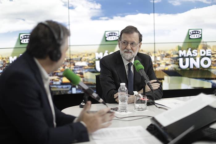 Rajoy advierte a Puigdemont de las consecuencias de sus actos.
