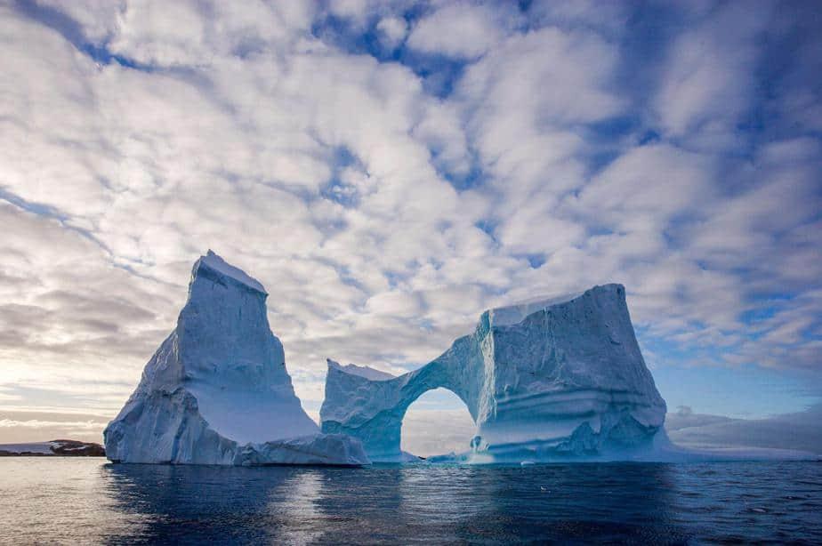 La recuperación de la capa de ozono se manifiesta en la disminución del hoyo ártico