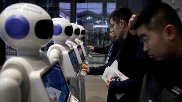 Robots inmobiliarios: Androides que te venden el piso