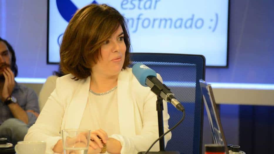 Santamaría: el Gobierno impedirá una investidura de Puigdemont