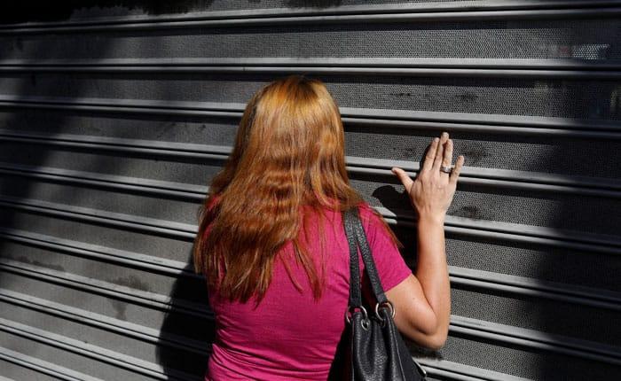 Inflación anual de Venezuela excede el 6.000 por ciento en febrero