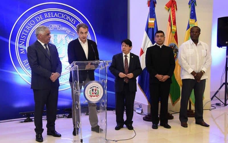"""Zapatero pidió a los actores del diálogo en Venezuela """"asumir responsabilidades"""""""