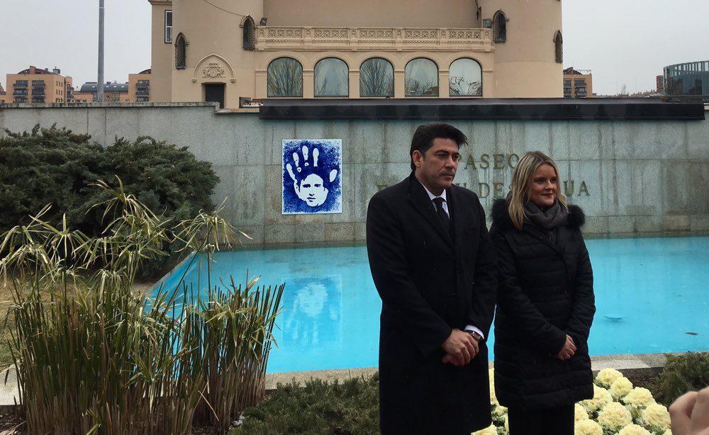 Espíritu de Ermua.. Alcorcón inaugura el Paseo Espíritu de Ermua en memoria de Miguel Ángel Blanco. David Pérez y Mari Mar Blanco