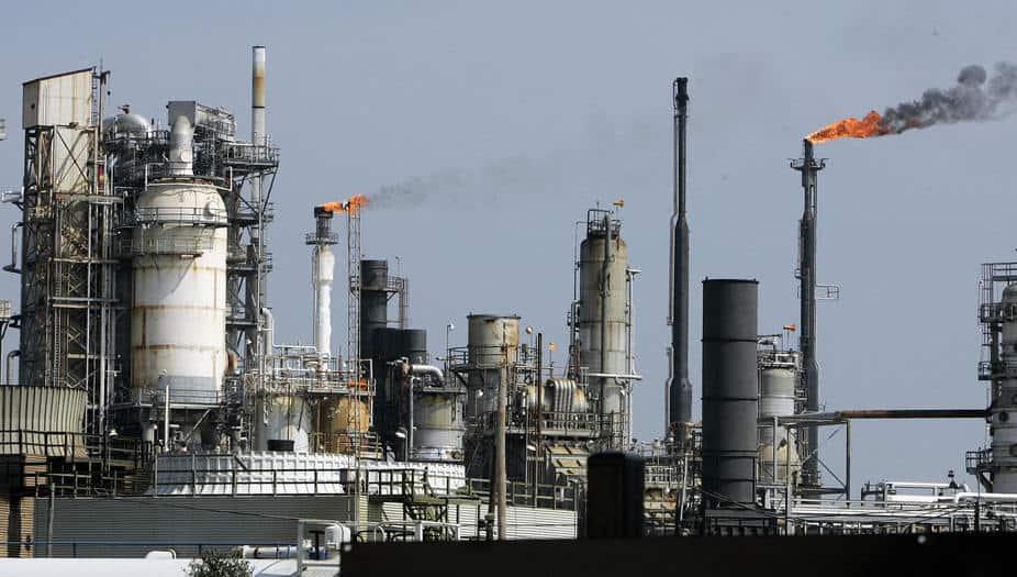 Texas en alerta tras explosión de una refinería de petróleo