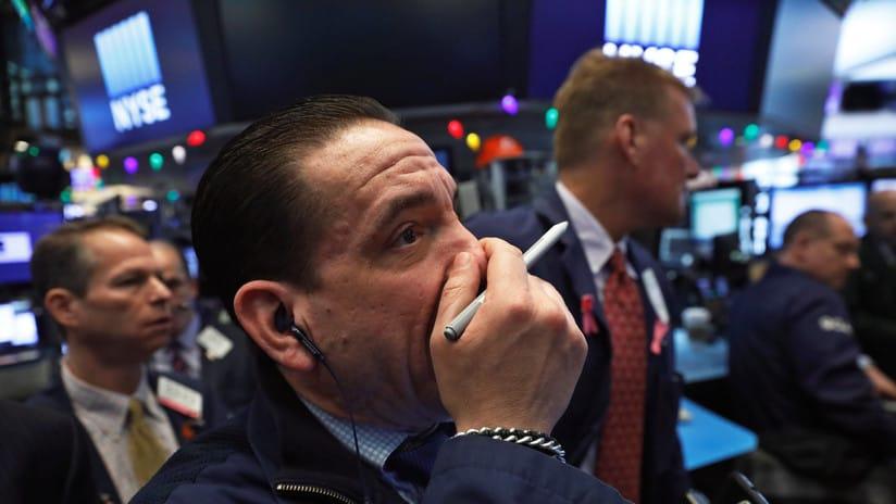 La caída del Dow Jones en EEUU dejó perpleja a la economía global
