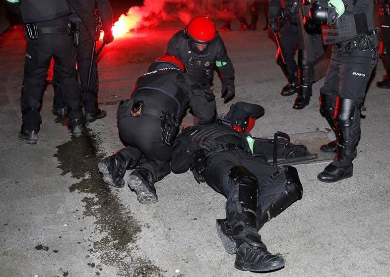 Bilbao: Videos de la violencia Athletic-Spartak en San Mamés