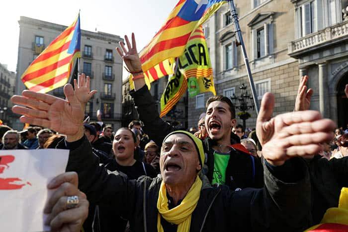 La fortaleza del euro y la incertidumbre en Cataluña marcan la semana en los mercados.