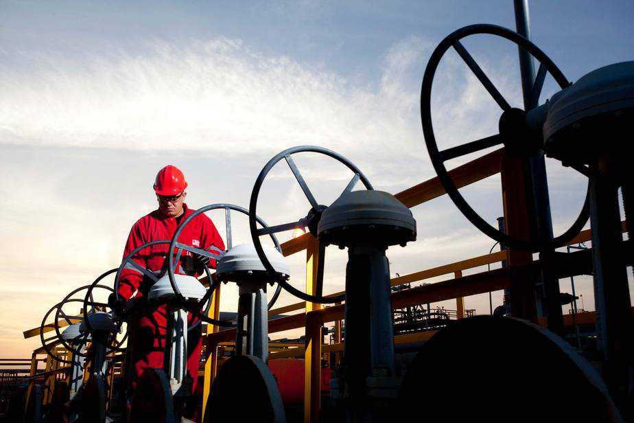 Sanciones petroleras de EEUU agravan la crisis
