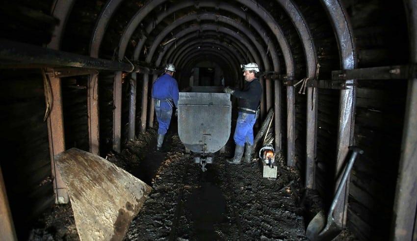 Venezuela explotará fosfato y carbón