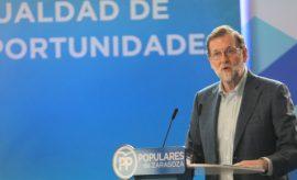 """Rajoy en Zaragoza: """"Sobran comentaristas y faltan gobernantes"""""""