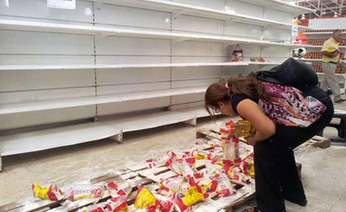 Venezolanos dejan de comer para medio alimentar a sus hijos