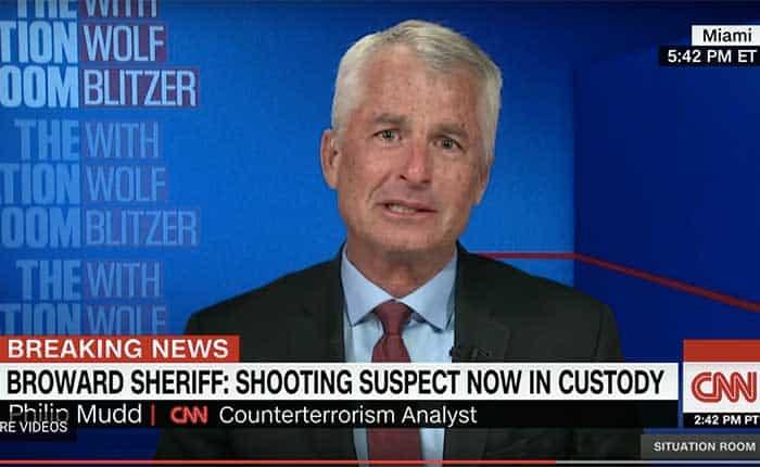 El dolor de la masacre en Florida en el rostro de un ex agente del FBI