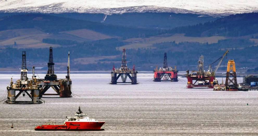 Suben precios del petróleo