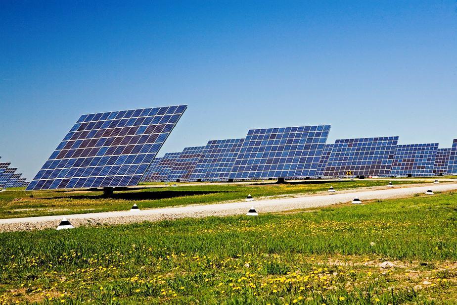 Colombia invierte en renovables con alianzas italianas