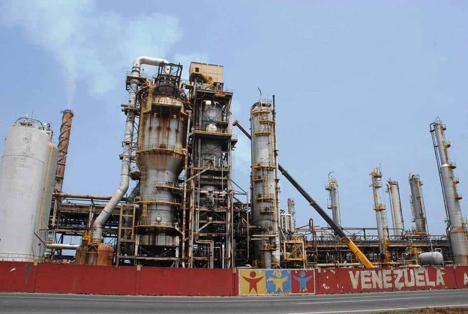 Mercados petroleros están vulnerables