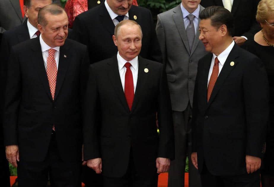 """¿Está viviendo el autoritarismo una """"nueva ola"""" global?"""