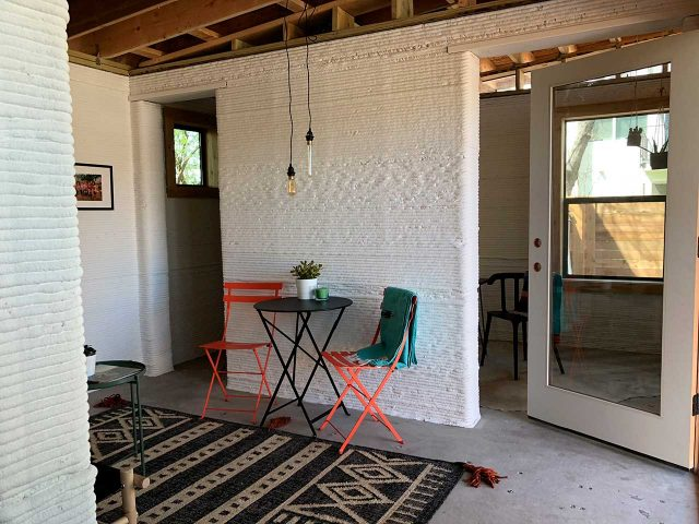 Cada casa cuenta con una sala de estar, baño, un dormitorio y un estudio (que puede ser otro dormitorio) (New Story - Icon)
