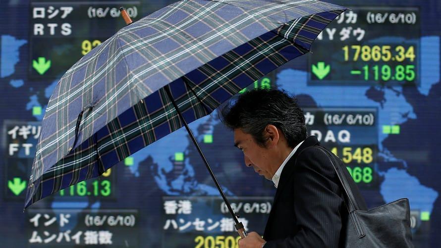 Las acciones asiáticas tiemblan ante los temores de una guerra comercial