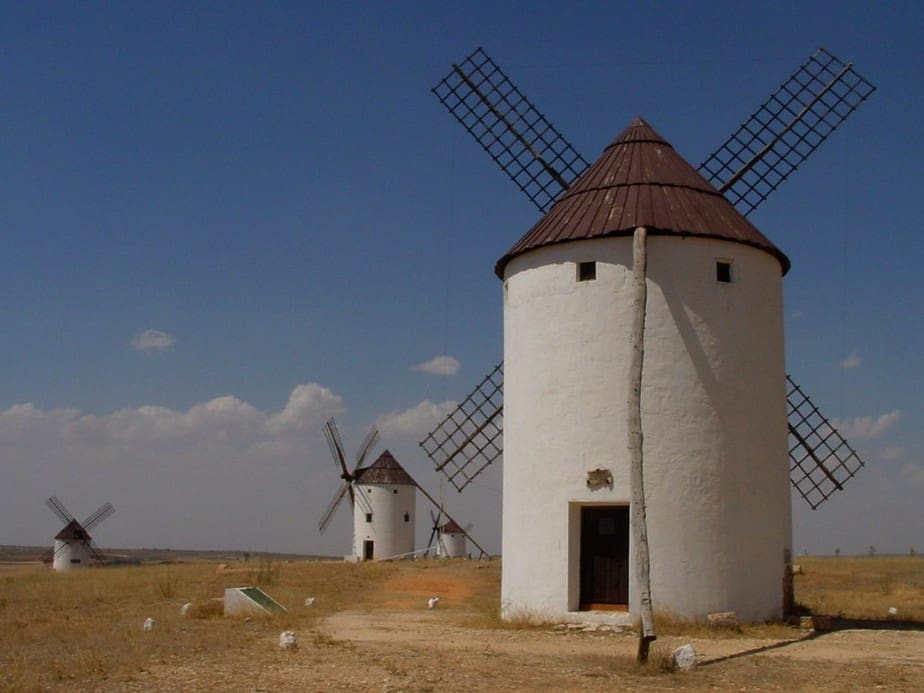 Molinos de fuentes renovables en España