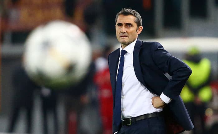 Soccer Football - Champions League Quarter Final Second Leg - AS Roma vs FC Barcelona - Stadio Olimpico, Rome, Italy - April 10, 2018   Barcelona coach Ernesto Valverde looks on   REUTERS/Tony Gentile