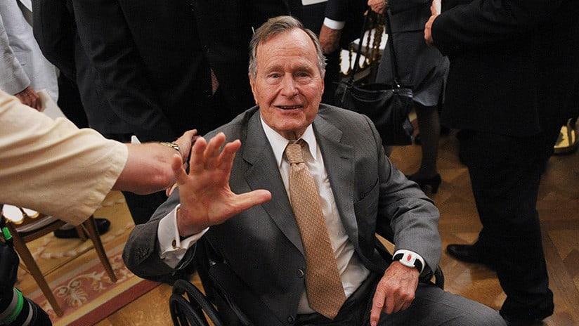 El expresidente de EEUUGeorge W. Bush es hospitalizado