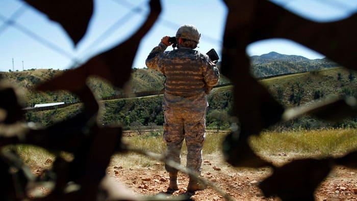 Militares de EEUU a la frontera con México por orden de Trump