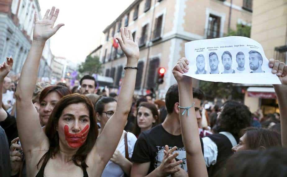 Condena a La Manada permitiría a sus miembros pedir permisos para salir de prisión en seis meses