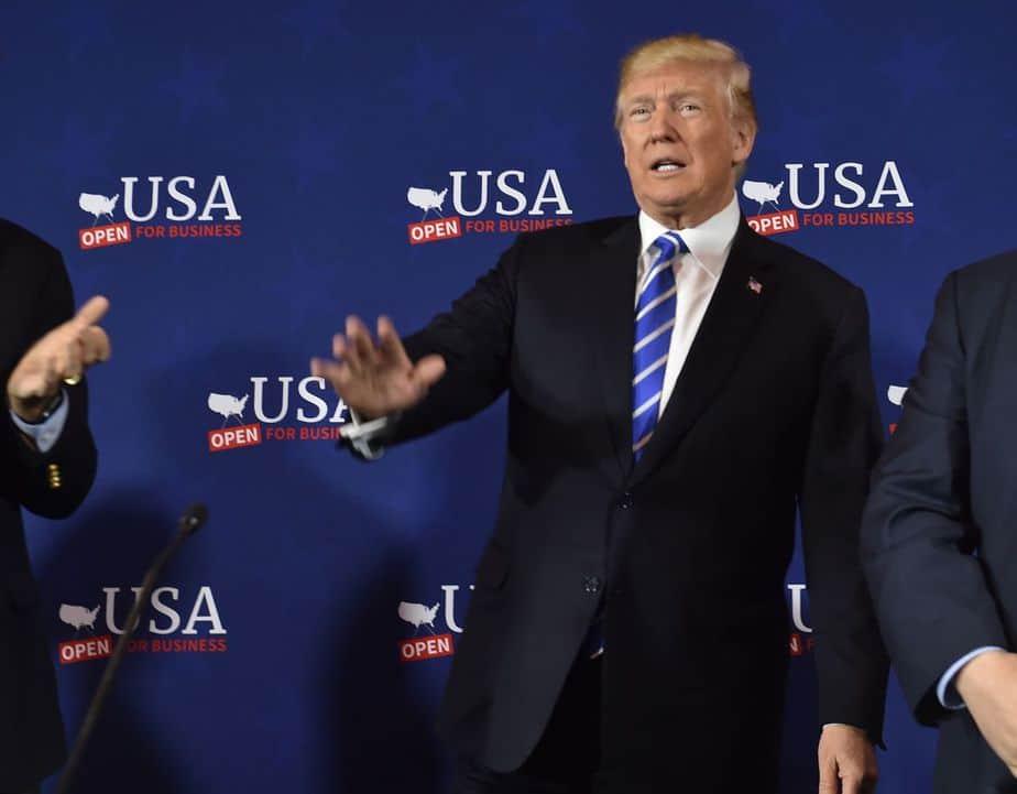 Más aranceles para China: Trump ordena pensar nuevas tarifas