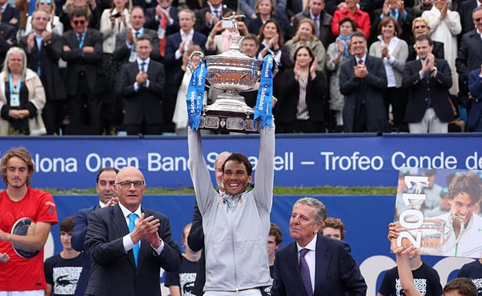 Tennis - ATP 500 - Barcelona Open - Real Club de Tenis Barcelona-1899, Barcelona, Spain - April 29, 2018   Spain's Rafael Nadal celebrates with the trophy after winning the final against Greece's Stefanos Tsitsipas   REUTERS/Albert Gea